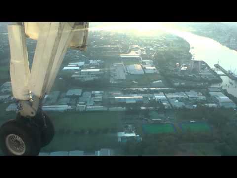 Landing At Brisbane (BNE/YBBN) SkyTrans DHC-8-102A 1080p HD!