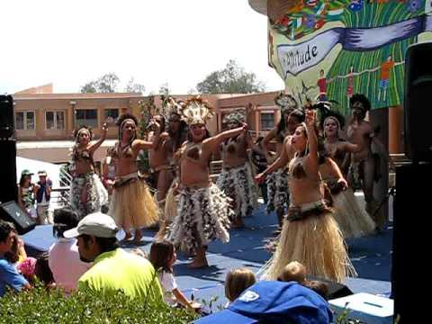 Rapa Nui Dancers at Kermess