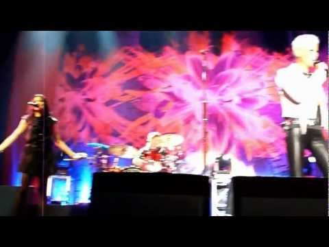 ROXETTE - She's got nothing on (but the radio) live DURBAN 5.6.12.divx