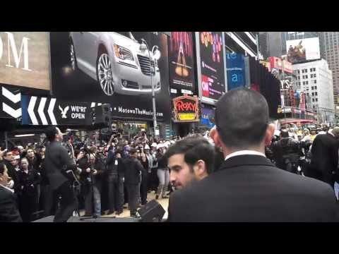 Fonseca in Times Square 04/17/13.