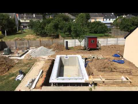 Construction mini piscine caron jour 4 youtube for Construction piscine caron
