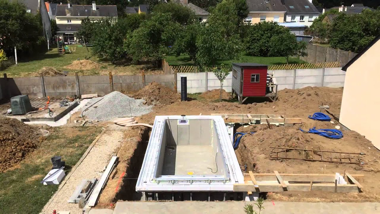 Construction mini piscine caron jour 4 youtube for Construction piscine 19
