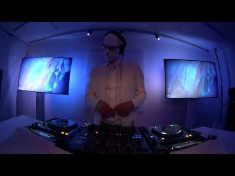 Mr. White liveset recorded @Beatport Studio in Amsterdam