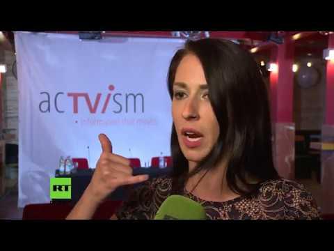 Abby Martin bei acTVism München: