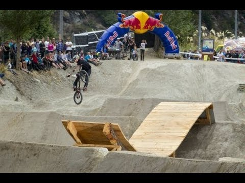 Freestyle BMX Park Jam - Red Bull Roast It