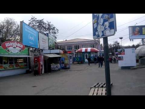 Брянский автовокзал в кольце лачуг