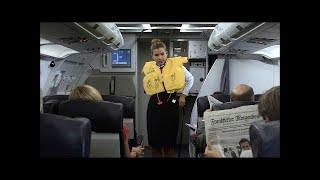 Stewardess mit Durchsetzungsvermögen - Ladykracher