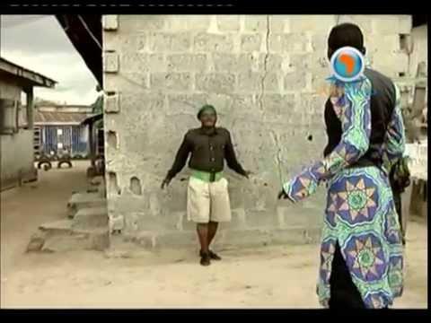 Akpororo threatens a fake Police Officer