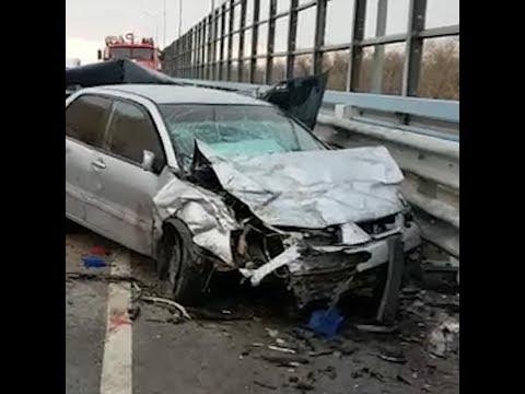 Крупная авария на мосту через Ахтубу | V1.RU