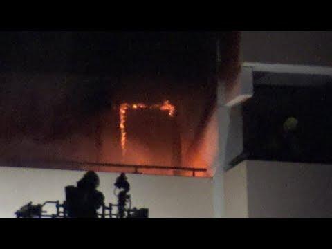 Hochhausbrand - 5 Verletzte in Sankt Augustin-Niederpleis am 26.02.19 + O-Ton