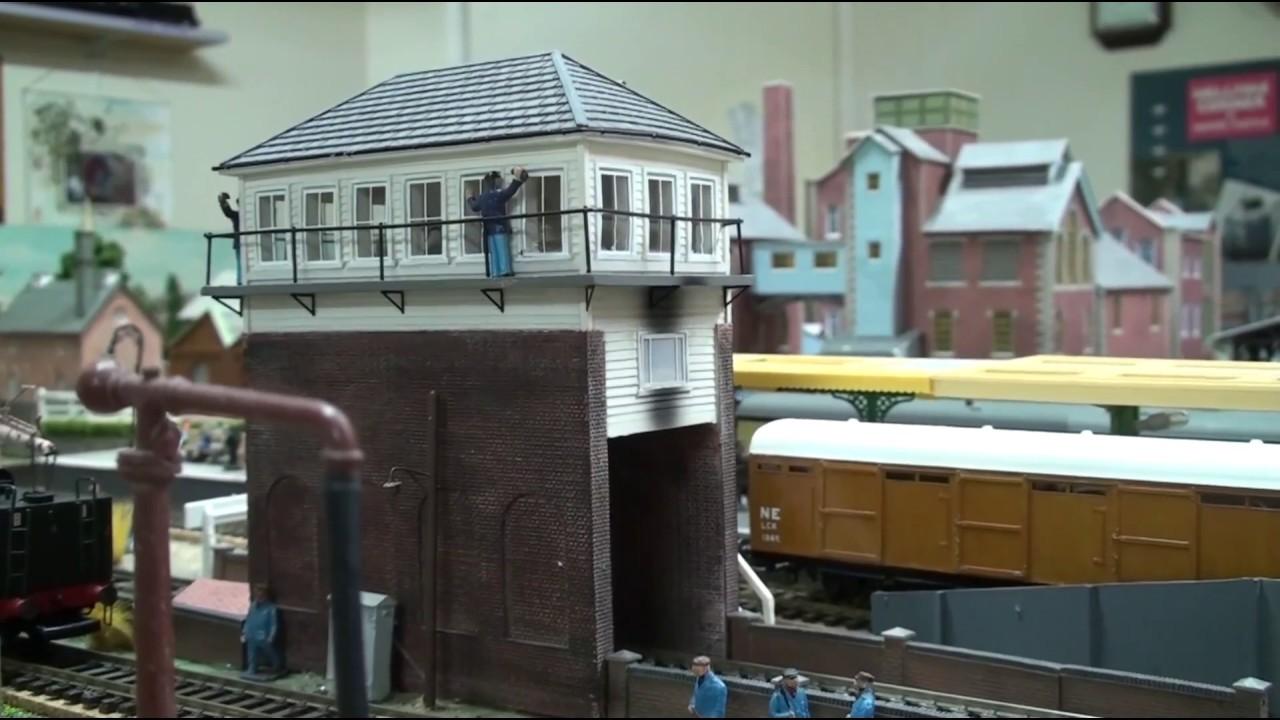 Through the Over Rail Signal Box-Model Railways 00 Gauge ...