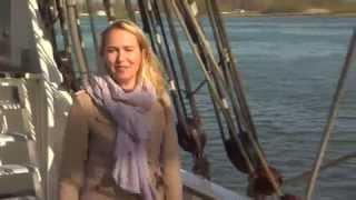 dutch reporter falls off boat into water ,,funny scene 2014 live....