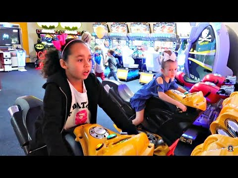 Thumbnail: Kids Arcade Games! Basketball - Air Hockey - Arcade Machines - Family Challenges | Toys AndMe