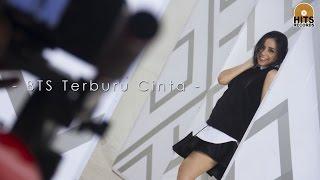 Video Angel Pieters - Terburu Cinta (Behind The Scenes) download MP3, 3GP, MP4, WEBM, AVI, FLV Juni 2018