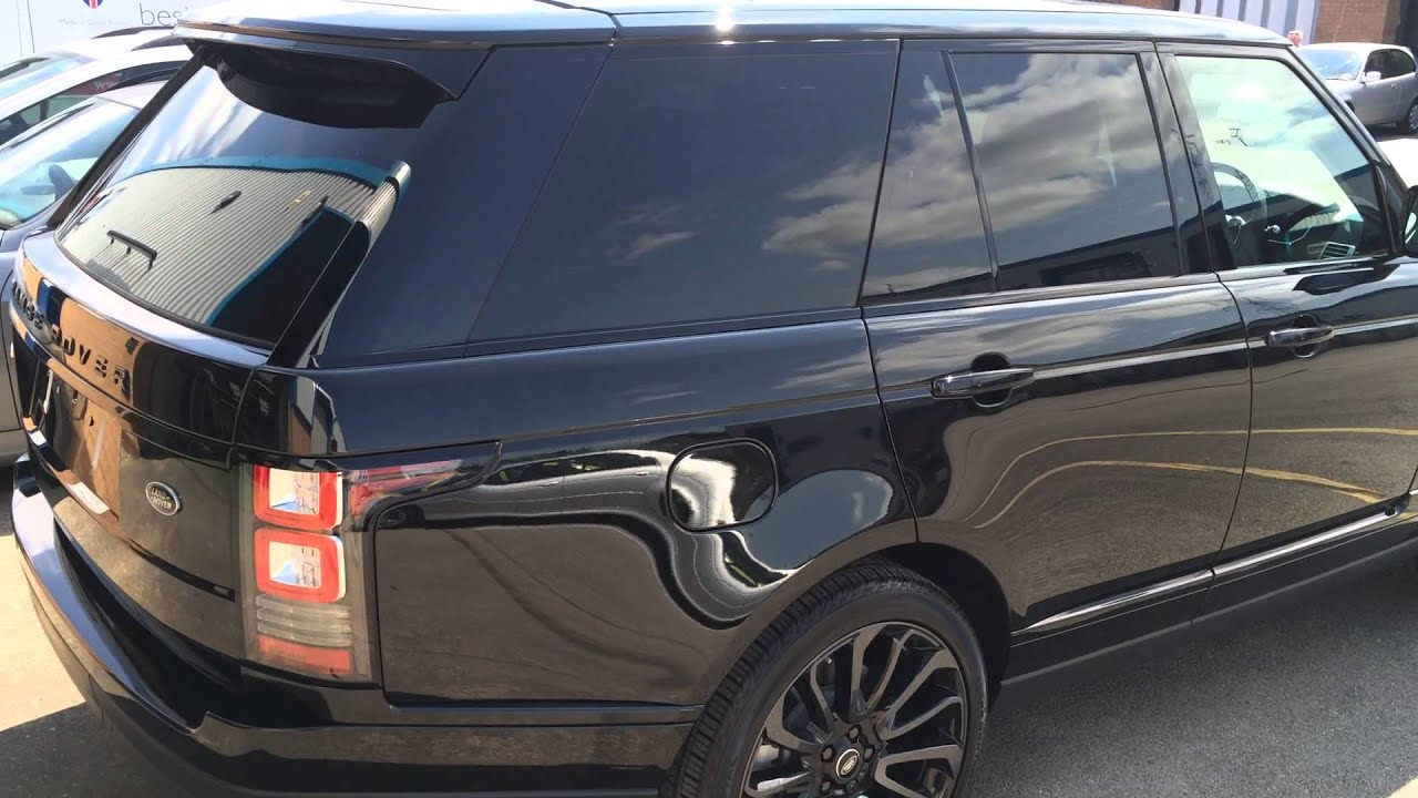 Limo tints to the rear windows of this Range Rover Vogue