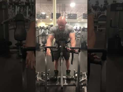 Proper form on the Hammer Strength Row