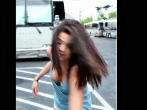Selena Gomez Boobs thumbnail