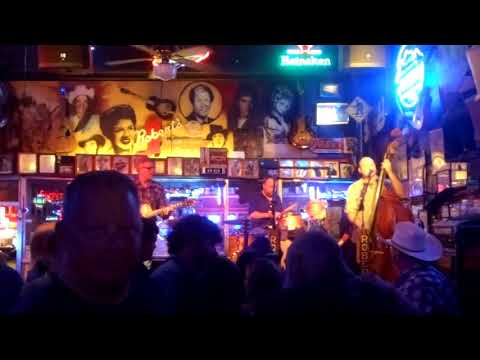 ROBERT'S HONKY TONK BAR - LIVE COUNTRY MUSIC IN NASHVILLE TENNESSEE 2017