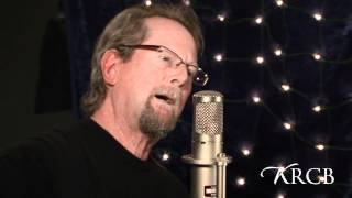 Watch Roger Mcguinn May The Road Rise To Meet You video