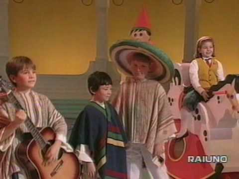 Piccolo Coro dell' Antoniano - I Re Magi / Los Reyes magos