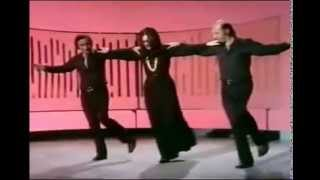 Baixar Nana  Mouskouri   & Zambetas  dansent le Sirtaki   --   1972
