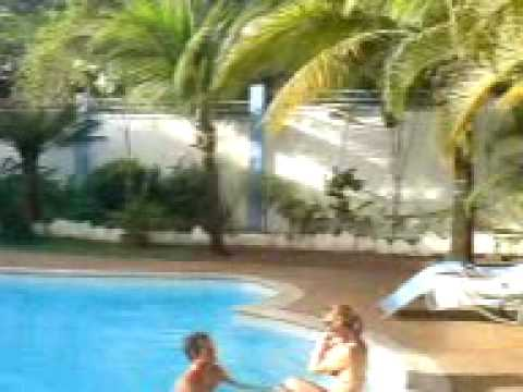 Villa azzurra ile maurice piscine 3gp youtube for Piscine ile bleue seynod