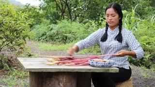 【南方小蓉】中國姑娘深山爆炒玉荷花,這種奇怪的花其實非常誘惑而且美味