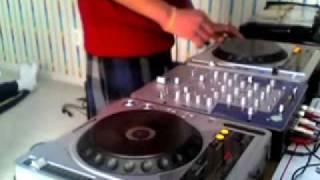 Dj Su Bhangra Mix  Punjabi Dj Desi Non-Stop.mp4