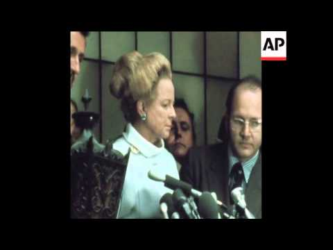 SYND 4 5 73 WIFE OF FORMER ATTORNEY GENERAL MOBBED BY MEN IN NEW YORK