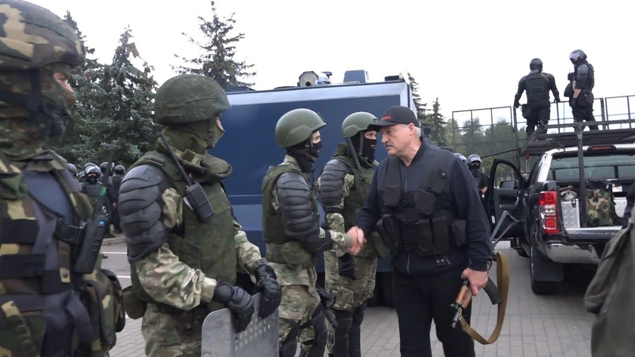 Эйсмонт: весь день Лукашенко работал в ситуационном центре во Дворце независимости