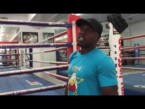 ANDRE BERTO: WHAT IT'S LIKE TO SHARE THE RING WITH FLOYD MAYWEATHER - EsNews Boxing