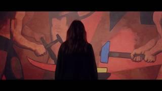 Wsłuchaj się w historie rzeczy warszawskich | Nowy film Muzeum Warszawy