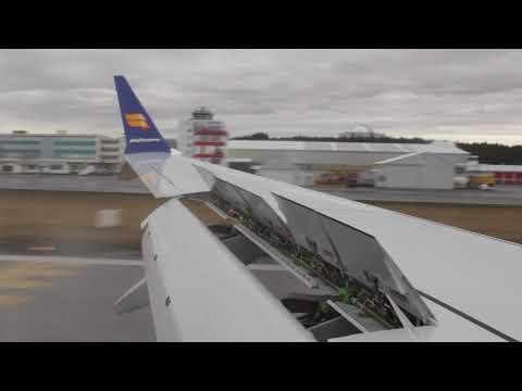 Icelandair Boeing 737 MAX 8 landing in Reykjavik