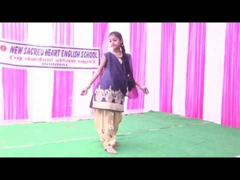 English Medium|sapna's Dance|performance By Vanshika Sharma.