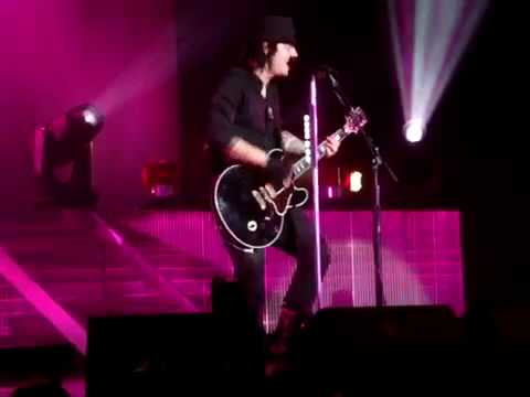 Three Days Grace - Lost In You Live