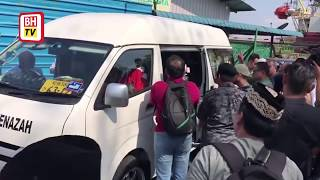 Download Video Jenazah Pak Ngah tiba di Malaysia MP3 3GP MP4