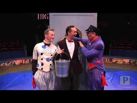 """Dames at Sea"" Star Clowns Around at the Big Apple Circus - 동영상"