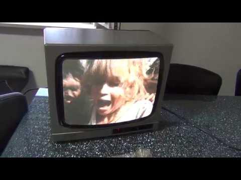 SHARP Vintage Game Color Television C 3700S Linytron plus