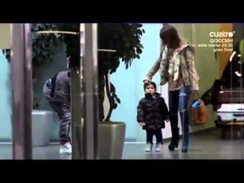 Leo, Antonela  y Thiago en aeropuerto EL Prant Barcelona