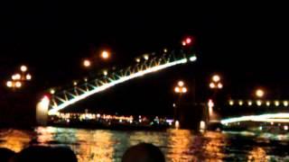 Ночной развод мостов в Питере! Нереально красиво!!!(, 2012-08-05T22:10:00.000Z)