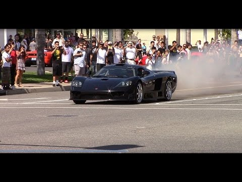 Saleen S7 Leaves Car Show with Hard Acceleration