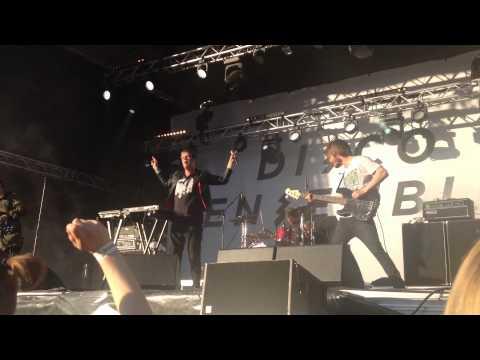 Disco Ensemble - Drop Dead, Casanova live, Tikkurilafestivaali 2015