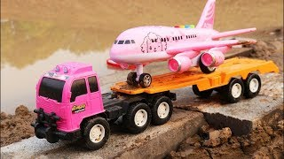 Truck and boat - Rescue plane in water - Construction vehicles toys