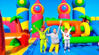 Download lagu Vlad and Nikita in The World Biggest Bounce House for kids