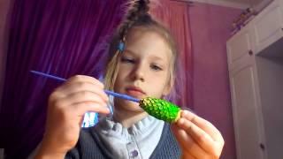 Как сделать игрушку на ёлку из шишки
