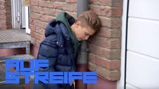 Kölle Alaaf! Jungs wollten ihn mit Schlauch und Trichter abfüllen! | Auf Streife | SAT.1 TV