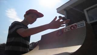 Homemade wooden fingerboard halfpipe-BeastMode- edit #1