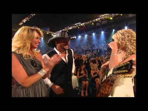 Taylor Swift Meets Tim McGraw for the First Time - 2007 ACM Awards