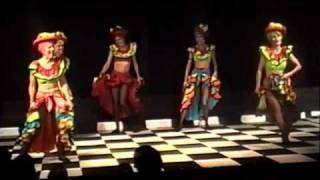 Brazilian Dance Performance - Conga - Salsa Dance - Hot!