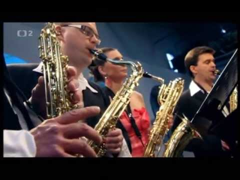 Philip Glass: Concerto for saxophone quartet and orchestra Mvmt. 2